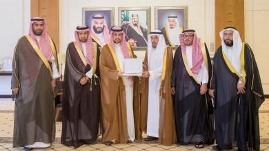 Photo of نائب أمير القصيم يستقبل رئيس وأعضاء مجلس جمعية البر الخيرية بمحافظة الأسياح
