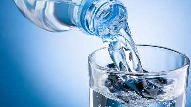 Photo of دراسة: شرب المياه يقلل من خطر الإصابة بالعديد من الأمراض المزمنة